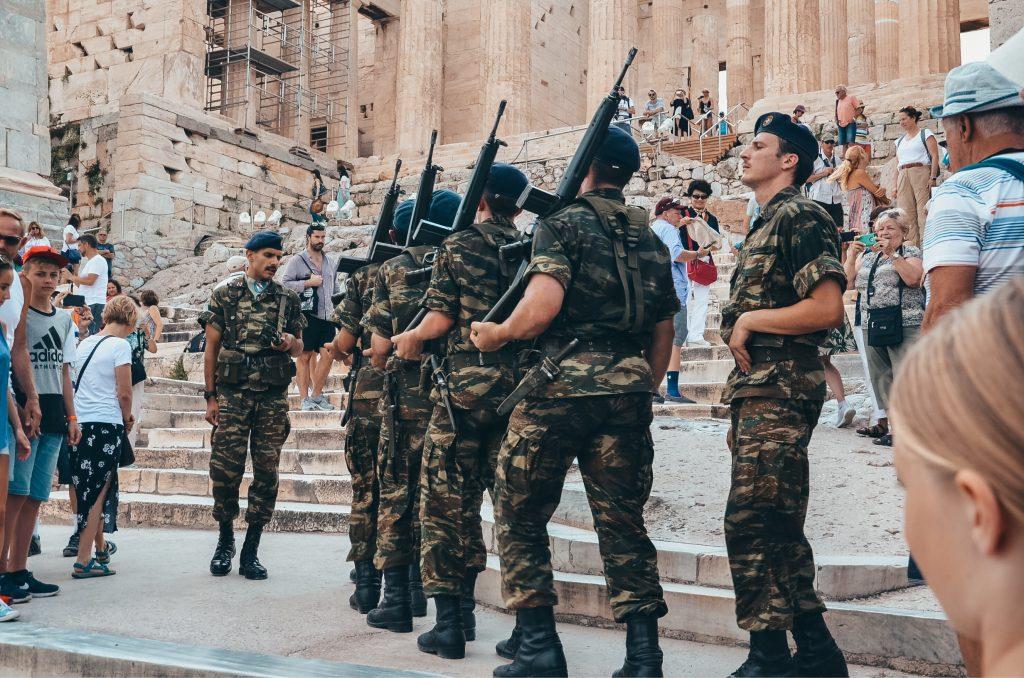 Zmiana warty na Akropolu